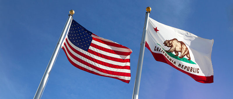 US and California flags